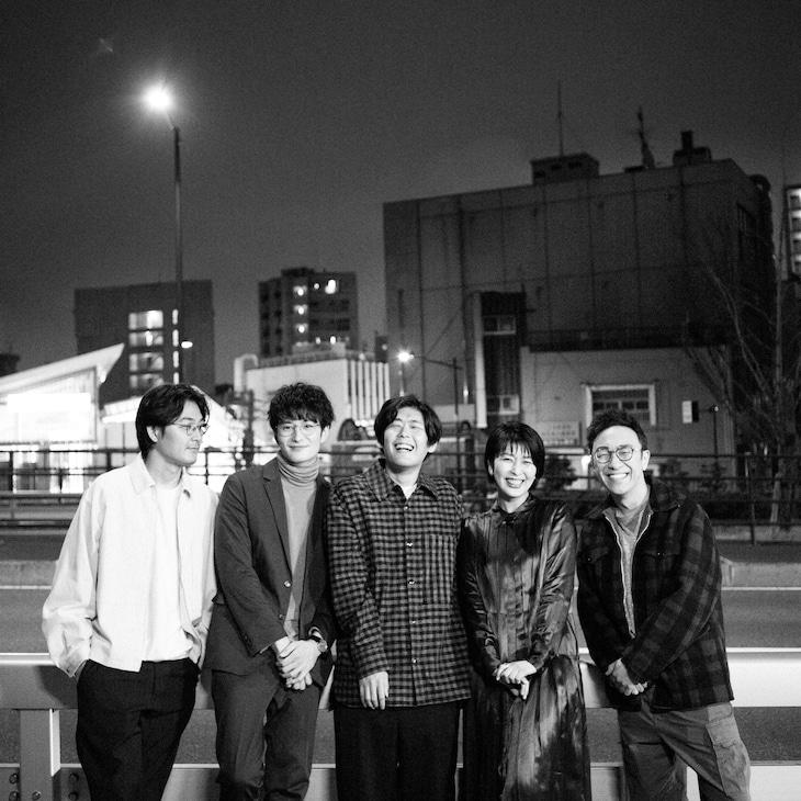 左から松田龍平、岡田将生、STUTS、松たか子、角田晃広(東京03)。(Photo by seiji shibuya)