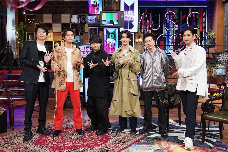 DISH//と田中圭(左)、千葉雄大(右)。(c)日本テレビ