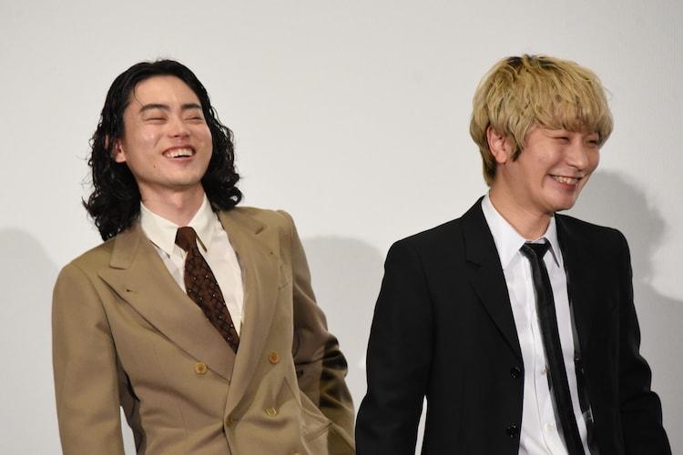 左から菅田将暉、Fukase(SEKAI NO OWARI)。