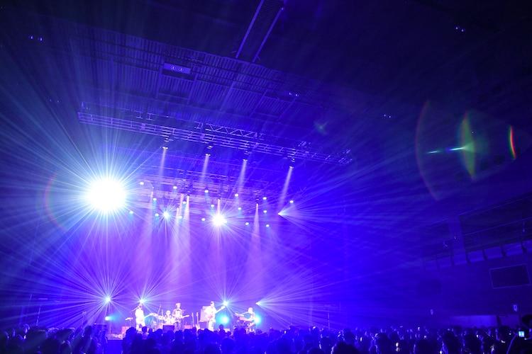 「くるりライブツアー2021」東京・Zepp Haneda(Tokyo)公演の様子。(撮影:岸田哲平)
