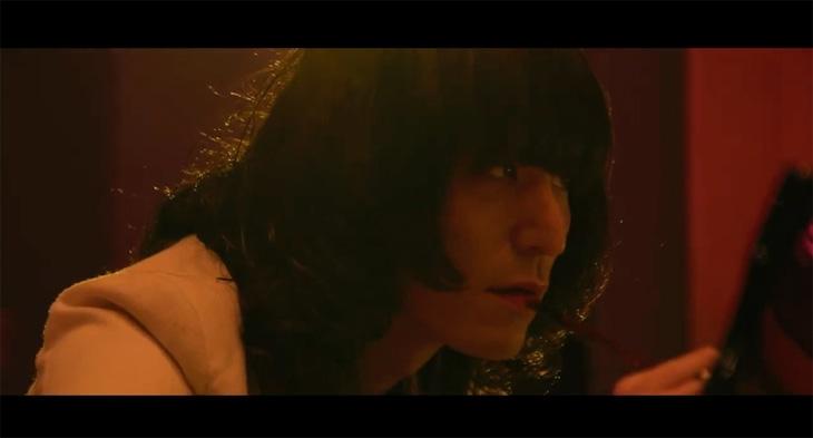 「Tout va mal!」ティザー映像のサムネイル。