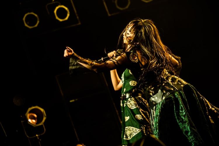 雅雀り子(Photo by Masayo)