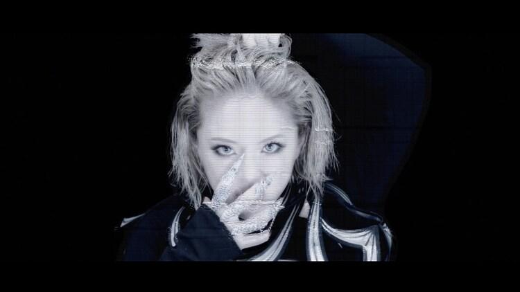 浜崎あゆみ「23rd Monster」ミュージックビデオより。