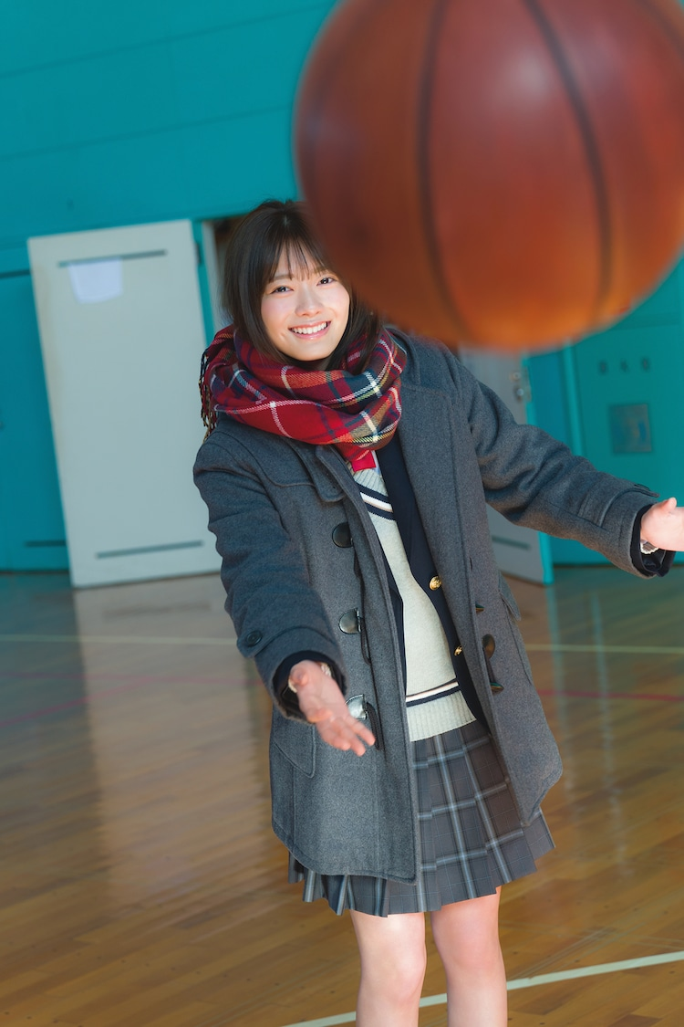 田村保乃1st写真集より。(Photo by Takeo Dec. )