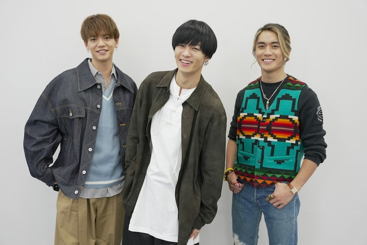 左から中島颯太、川村壱馬、砂田将宏。