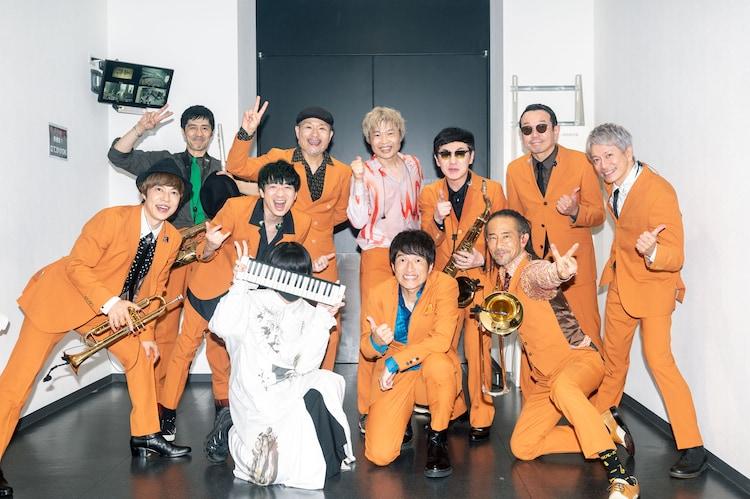 東京スカパラダイスオーケストラと長谷川白紙、桜井和寿(Mr.Children)。(撮影:ヤオタケシ)