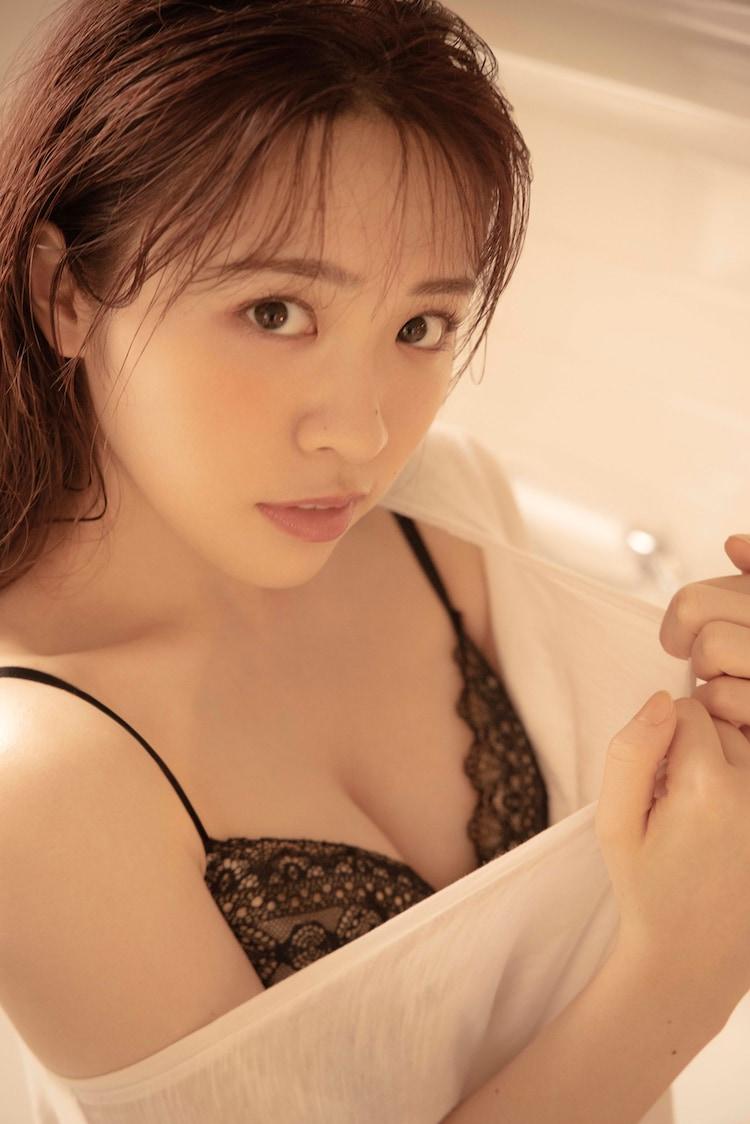 渡辺みり愛の1st写真集より。(撮影:彦坂栄治)