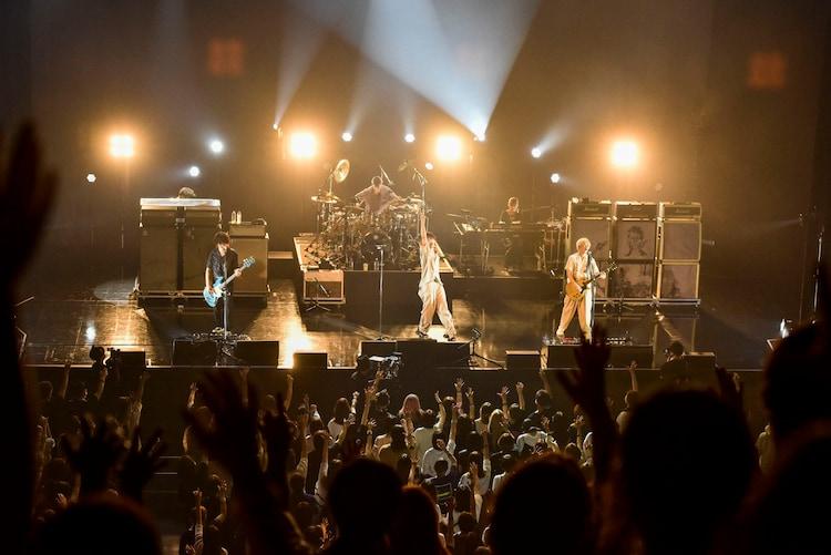 [Alexandros]「ALEATORIC TOMATO Tour 2021」7月31日 Zepp Osaka Bayside公演の様子。(撮影:河本悠貴)