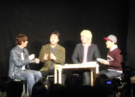 「Munasawa King Live♯8『博士・大吉・大介のお笑いメディア道場』」に出演した、博多大吉、株式会社PTP・有吉昌康社長、メディアジャーナリスト・津田大介、浅草キッド・水道橋博士(左から)。
