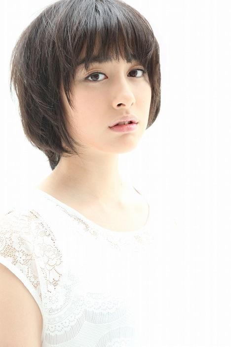 10月7日(金)深夜スタートの劇団ひとり、バカリズム、東京03の新番組「ウレロ☆未確認少女」(テレビ東京)にレギュラー出演が決定した早見あかり。