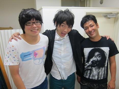 10月14日(日)、渋谷・ヨシモト∞ホールにて開催される「無限大学園 学園祭2012」の学園祭実行委員会。左から、ライス関町、LLR福田、エリートヤンキー橘。