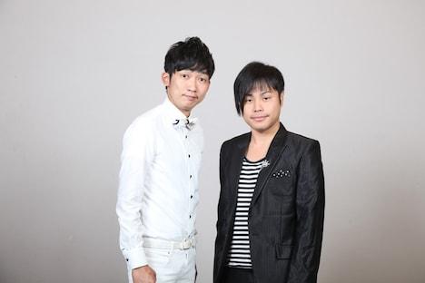 「日清食品 THE MANZAI 2012 年間最強漫才師決定トーナメント」に出場するNON STYLEの石田(左)と井上(右)。