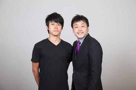 「日清食品 THE MANZAI 2012 年間最強漫才師決定トーナメント」に出場するオジンオズボーンの篠宮(左)と高松(右)。