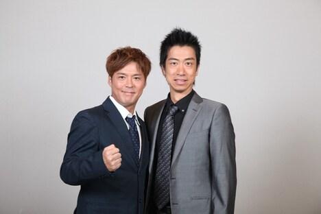 「日清食品 THE MANZAI 2012 年間最強漫才師決定トーナメント」に出場するテンダラーの白川(左)と浜本(右)。