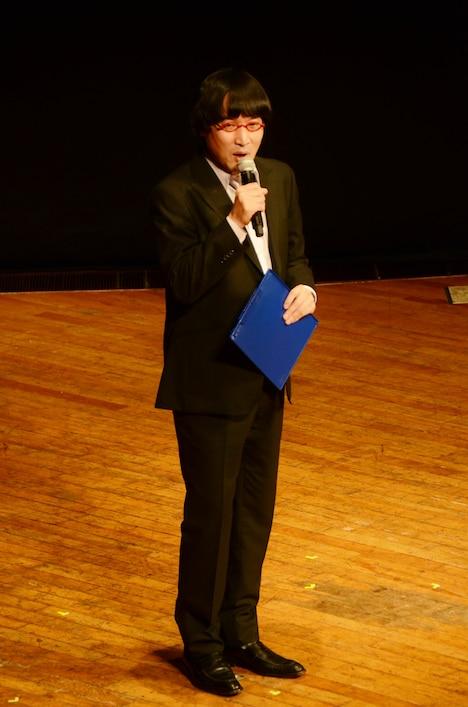 「TBSラジオクリスマスシリーズ JUNK presents 他力本願ライブ2」でMCを務めたほか、自身もコンビで漫才を披露した南海キャンディーズ山里。