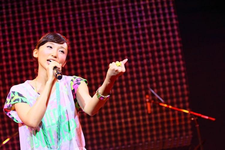 吉木りさ、初の生バンド単独ライブで「涙が止まんない!」 - 音楽ナタリー