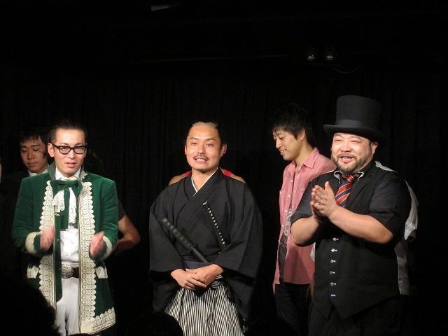 「サンミュージックGETライブ vol.179」で生まれたお侍ちゃんと髭男爵の仮ユニット・明治維新。