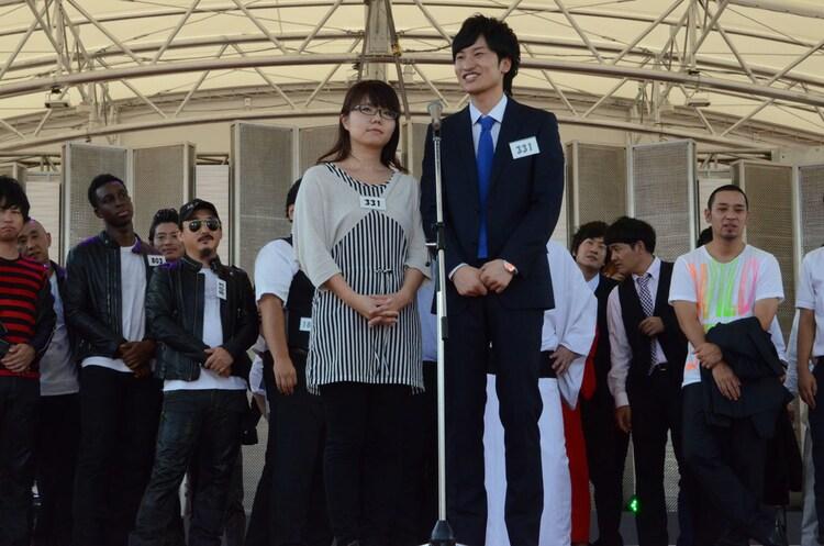 相席スタート。「同じレベルの女の中で一番モテたい」という山崎(左)。