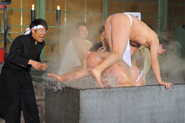 PlayStation3専用ソフト「魁!!男塾 ~日本よ、これが男である!~」のPR用ムービーのワンシーン。