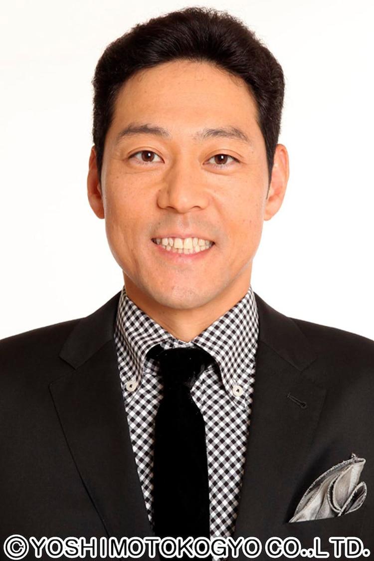 司会の東野幸治。(c)NHK