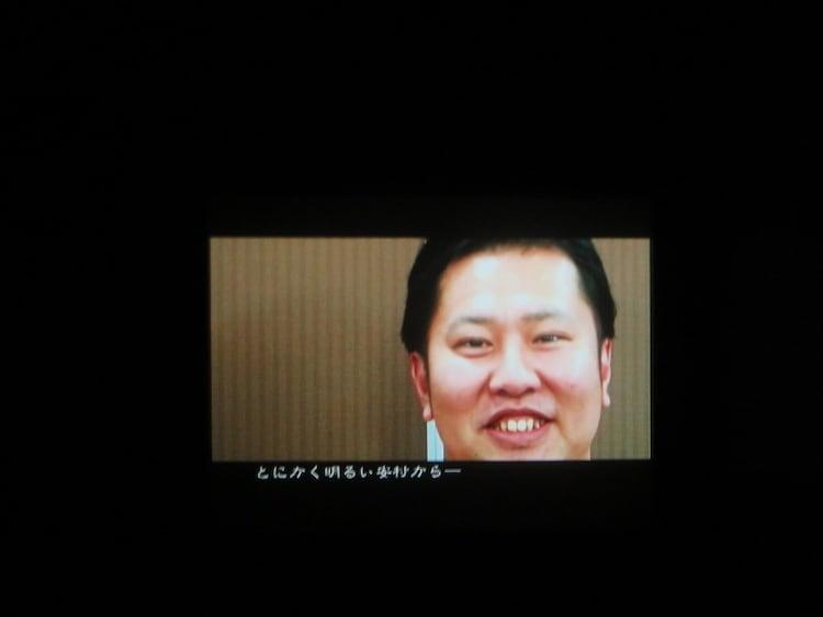 VTRでメッセージを送ったとにかく明るい安村。