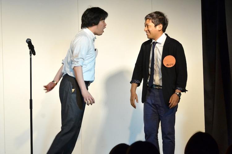 トップリード和賀(左)が100個目のツッコミを入れるため、満を持して最後に登場したアルコ&ピース酒井(右)。
