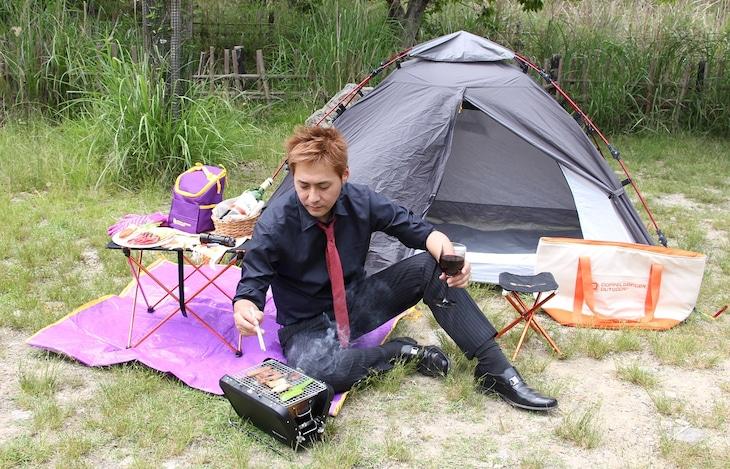 ぼっちキャンプを楽しむヒロシ。