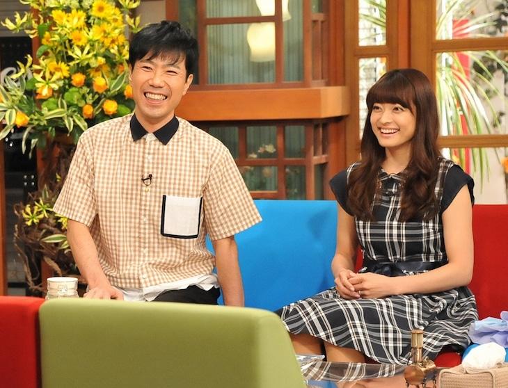 「さんまのまんま」に出演する藤井隆(左)と乙葉(右)夫妻。(c)関西テレビ