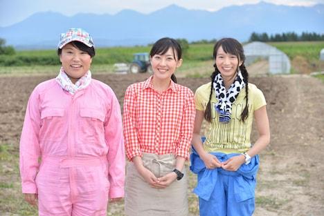 左から、フォーリンラブ・バービー、前田亜季、芹那。(c)NHK