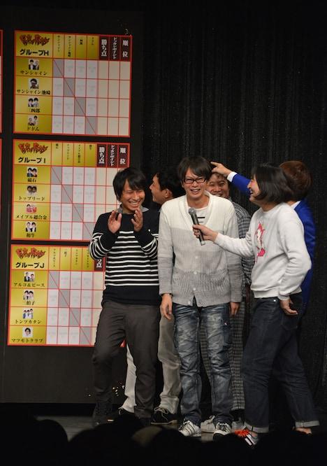 「ななまがりのグループでやりたかった」と話す磁石・永沢(中央)。
