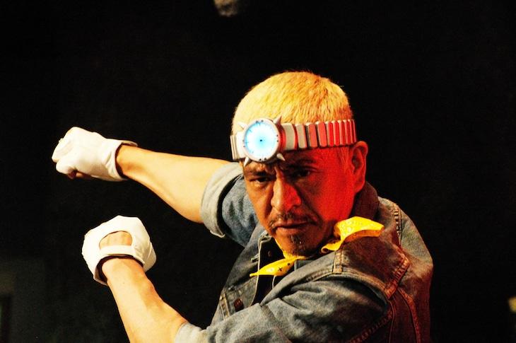 タウンワーク新CM「変身ヒーロー編」に出演している松本人志。