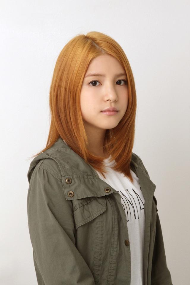 「朝が来る」で、片倉ひかりを名乗る謎の女を演じる川島海荷。(c)東海テレビ