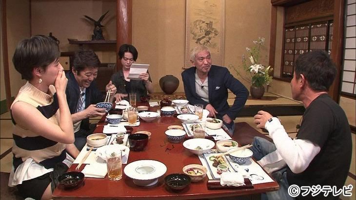 「ダウンタウンなう」に出演する(左から)ホラン千秋、坂上忍、菅田将暉、ダウンタウン。