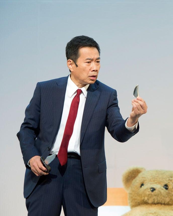 「プリティウーマンの勝手にボディーガード」に出演した三宅裕司。(c)2015 松竹 / アミューズ
