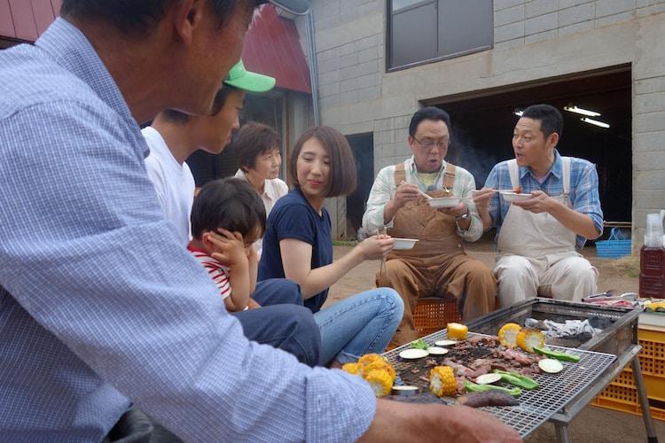 「梅沢富美男&東野幸治 まんぷく農家メシ!」のワンシーン。(c)NHK