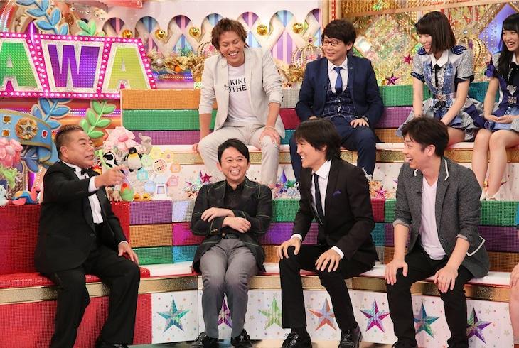 出川哲朗(左端)ら「金曜★ロンドンハーツ」の出演者たち。(c)テレビ朝日