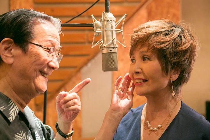 公開レコーディングに臨んだ小松政夫と園まり。(PHOTO:杉田真)