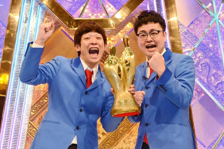 「M-1グランプリ2016」王者の銀シャリ。