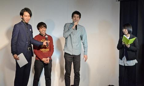 左から三福エンターテイメント、さすらいラビー、児島気奈代表。