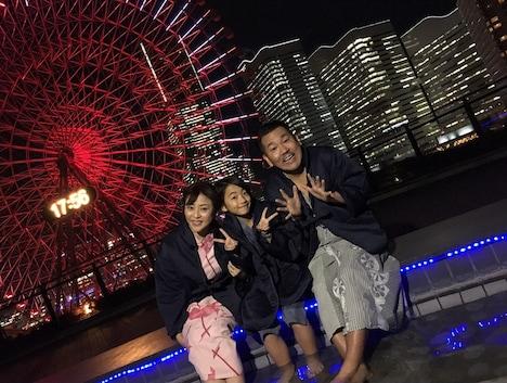 スーパー銭湯を訪れるFUJIWARA藤本(右)。(c)TBS