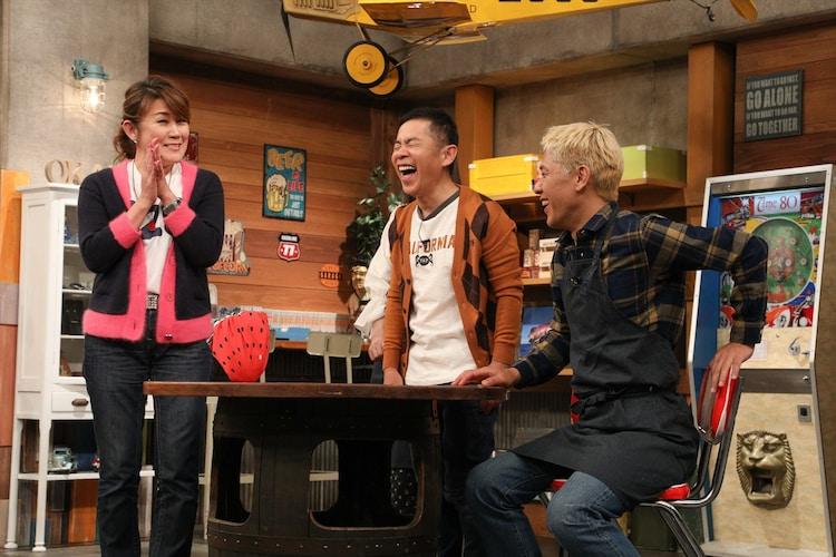 (左から)山田邦子、ナインティナイン岡村、ロンドンブーツ1号2号・田村亮。(c)関西テレビ