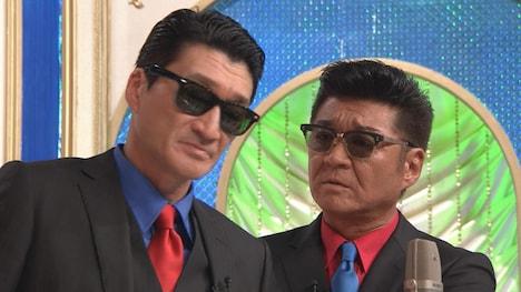 「笑×演」でタイムマシーン3号が書いた漫才を披露する小沢兄弟。(c)テレビ朝日