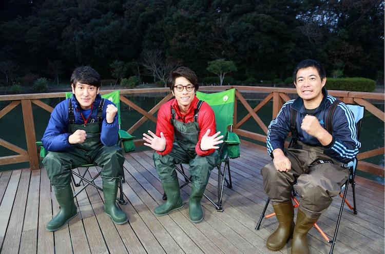 左からココリコ田中、ロンドンブーツ1号2号・田村淳、静岡大学の加藤英明氏。(c)テレビ東京