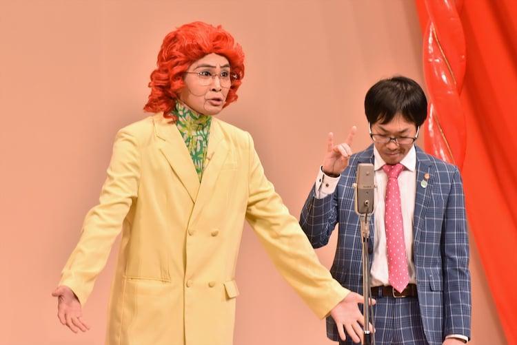アイデンティティ。ネタの後半に田島(左)の演説が繰り広げられた。
