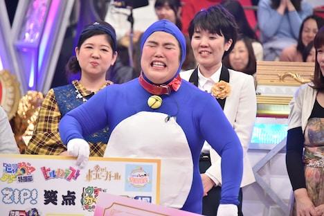 「女芸人No.1決定戦 THE W」で優勝した瞬間のゆりやんレトリィバァ。 (c)日本テレビ