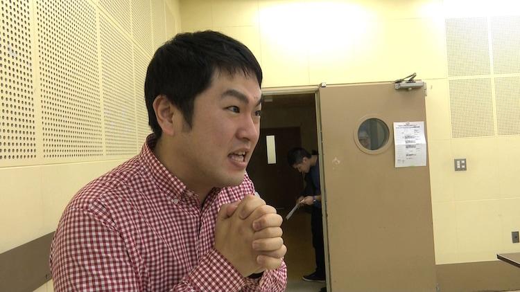 「SASUKE2018」のオーディションに挑むパニーニ木坂を応援する相方・飯沼。(c)TBS