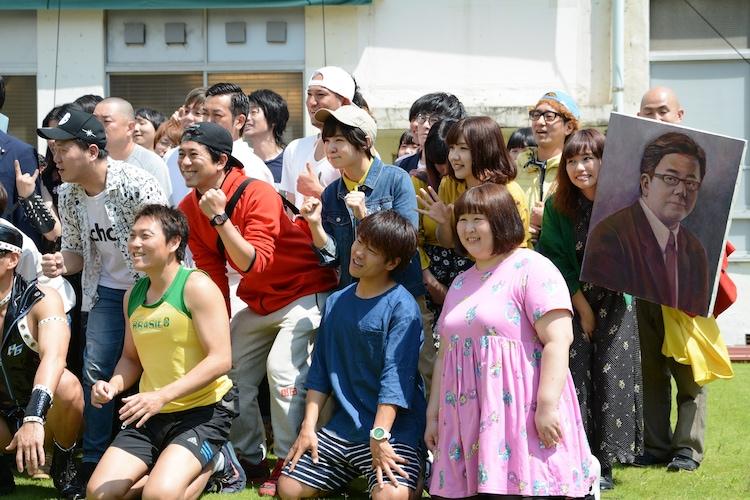 「吉本坂46」メンバーオーディションの2次審査発表の様子。