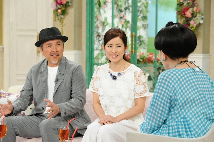「徹子の部屋」に出演する(左から)つまみ枝豆、江口ともみ夫妻。(c)テレビ朝日