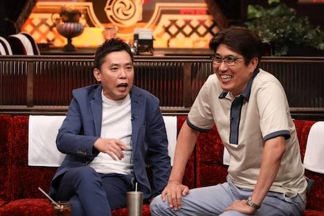 (左から)爆笑問題・太田、石橋貴明。(c)フジテレビ