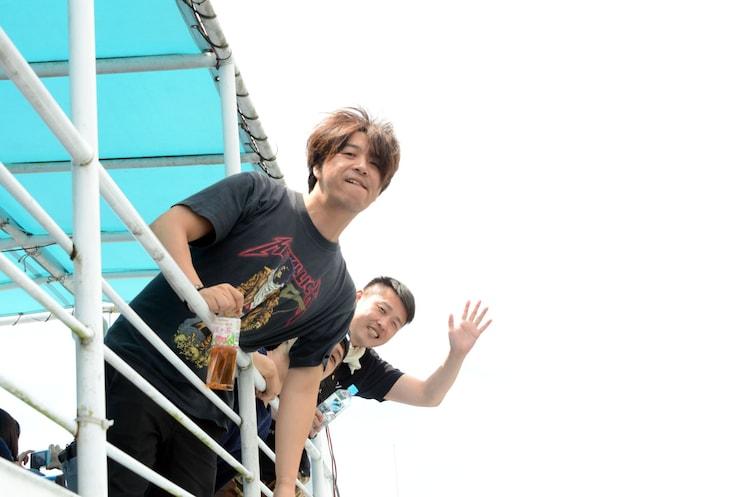 レイクビューを楽しむニブンノゴ!大川とギンナナ金成。